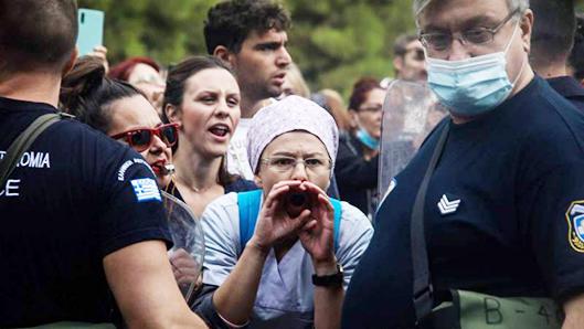 Με αποδοκιμασίες υποδέχτηκαν οι υγειονομικοί τον Πλεύρη στη Θεσσαλονίκη (ΒΙΝΤΕΟ) image.
