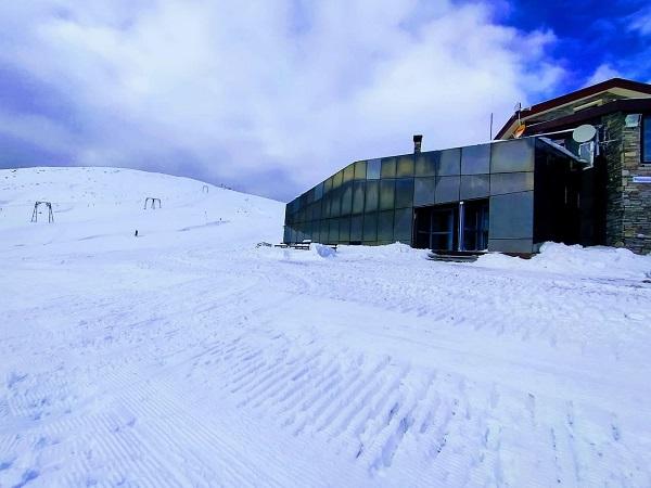 Καϊμάκτσαλαν: Έτοιμο το χιονοδρομικό να ανοίξει τις πόρτες του στο κοινό image.